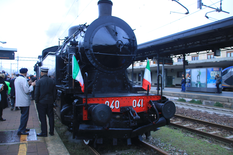 Locomotrice a vapore Gr940 Treno storico a Vapore tra Torino e Canelli
