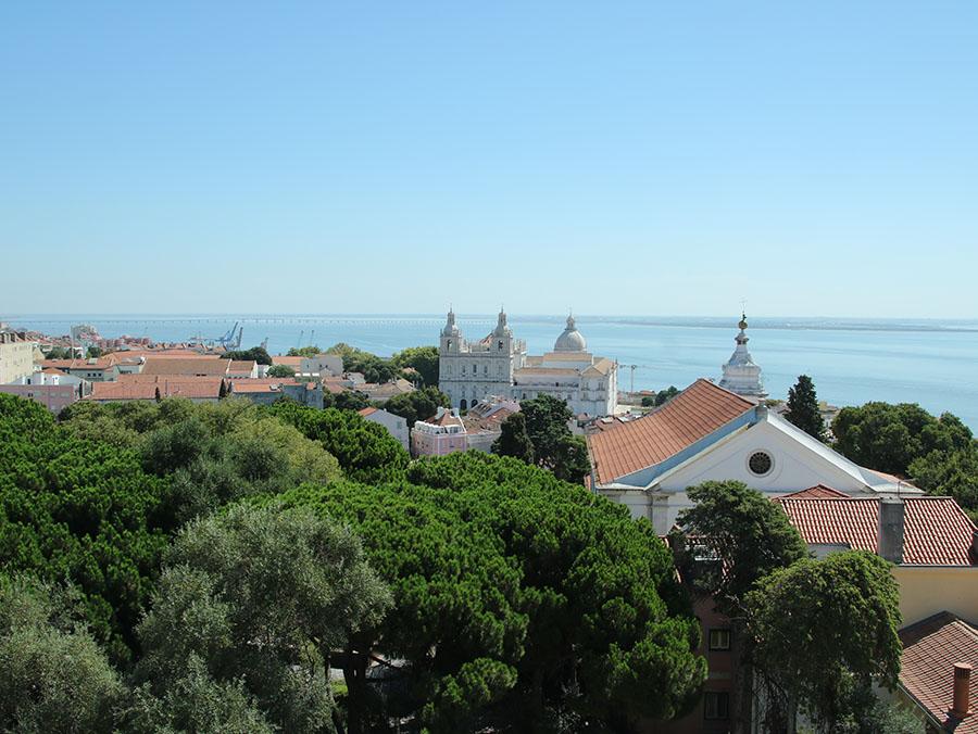 Vista dal Miradouro de Graca Lisbona